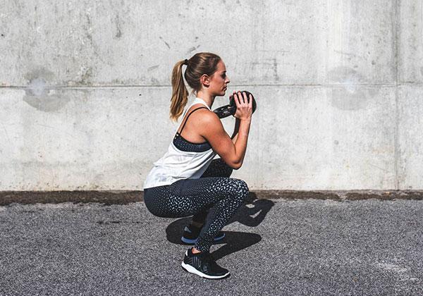 Squat cải thiện hệ tiêu hóa