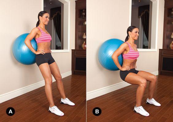 squat với bóng thể  tập yoga