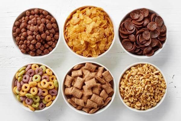 Người ăn kiêng theo chế độ ăn Low Carb nên hạn chế các loại ngũ cốc và đậu.