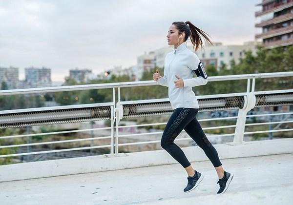 Bí quyết tập thể dục buổi sáng đúng cách chia sẻ từ chuyên gia !