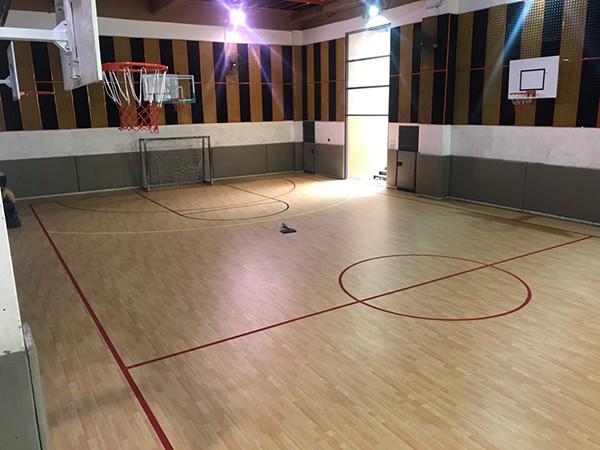 Thi công sàn thể thao tại Trường Marie Curie 1