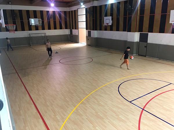 Thi công sàn thể thao tại Trường Marie Curie 3