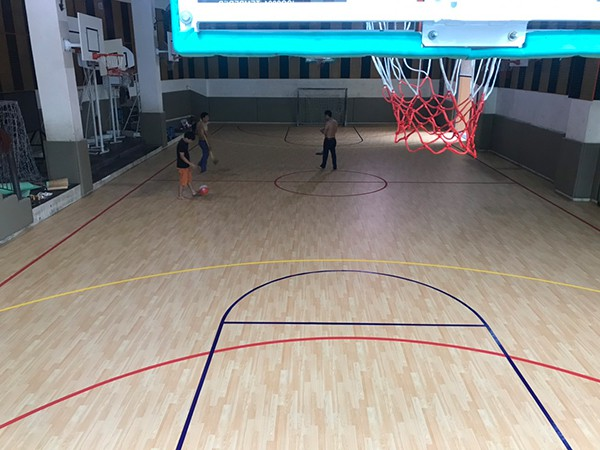 Thi công sàn thể thao tại Trường Marie Curie 4