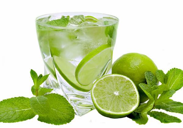Uống nước chanh để giảm mỡ bụng