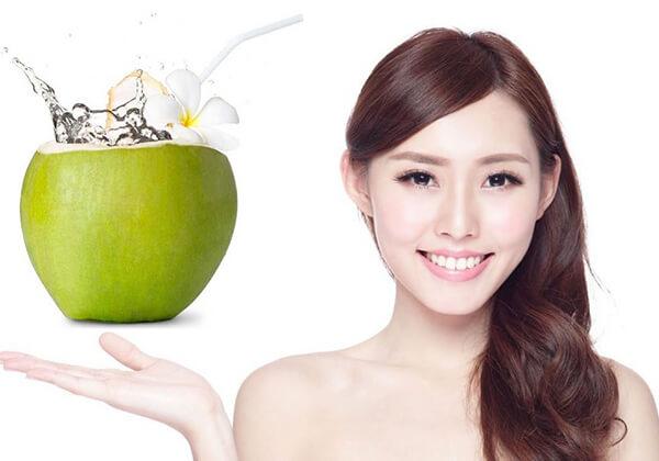 Nước dừa giúp giảm mỡ bụng thần tốc
