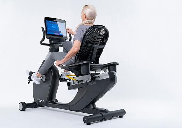 Xe đạp tập cho người cao tuổi