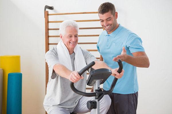 Xe đạp tập giành cho người cao tuổi giúp nâng cao sức khỏe và hỗ trợ điều trị bệnh.