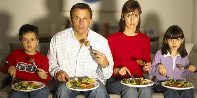 Những quan niệm sai lầm về bữa tối khiến bạn tăng cân nhanh !