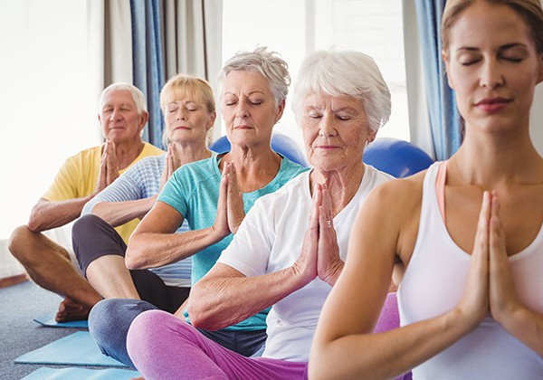 Yoga dưỡng sinh cho người cao tuổi