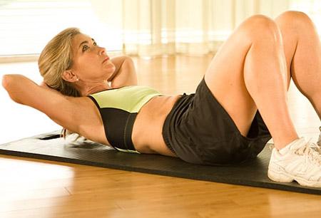 Bài tập gập bụng cho nữ hiệu quả nhất tại nhà bạn nên tập thử !