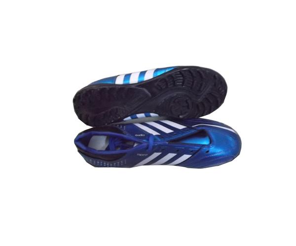 Giày đinh bóng đá Sài Gòn số 3 dùng đá sân nhân tạo giá rẻ Nhất