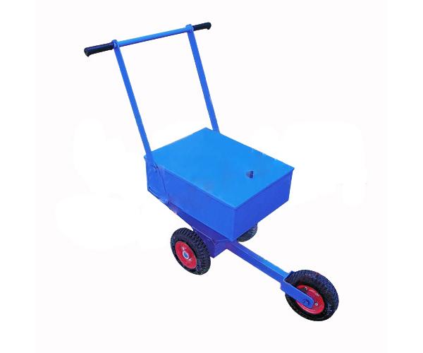 Xe rải vôi 101175 sử dụng để thi công sân bóng đá giá rẻ Nhất