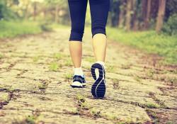 Đi bộ có làm to chân không? Đi thế nào để bắp chân thon gọn?